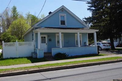 Cohoes Single Family Home For Sale: 38 Manor Av