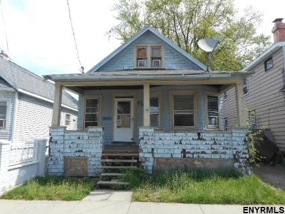 Schenectady Single Family Home For Sale: 1017 Stanley St