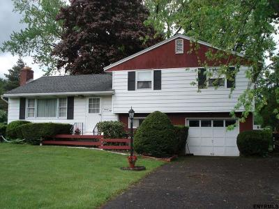 Single Family Home For Sale: 28 Homestead Dr