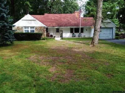 Colonie Single Family Home For Sale: 40 Loudon Pkwy