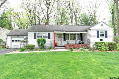 Schenectady County Single Family Home For Sale: 65 Saratoga Dr