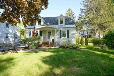 Niskayuna Single Family Home For Sale: 2312 Niskayuna Dr