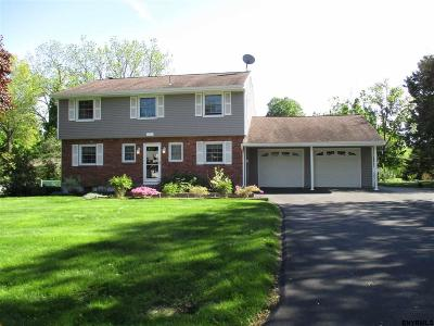Schenectady County Single Family Home For Sale: 3 Park La