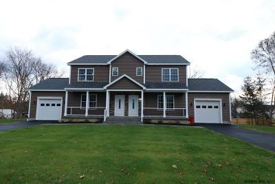 Saratoga County, Warren County Single Family Home For Sale: 24 Kellogg Rd