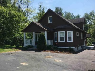 Rensselaer County Single Family Home New: 648 Columbia Turnpike