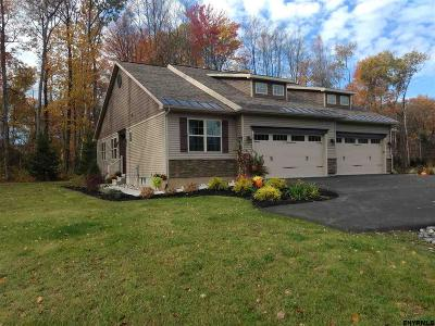 Single Family Home For Sale: 43 Canterbury Ln