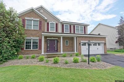 Clifton Park Single Family Home For Sale: 12 Chatsworth Way