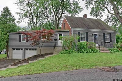 Colonie Single Family Home For Sale: 16 Hillcrest Rd