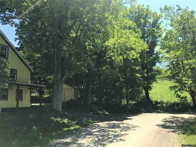 Rensselaer County Single Family Home For Sale: 304 Hill Hollow Rd