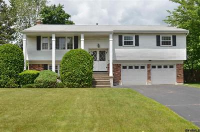 Colonie Single Family Home For Sale: 68 Delafield Dr