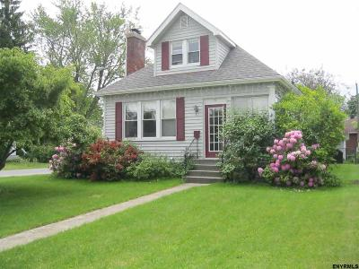 Single Family Home Sold: 30 Fordham Ct