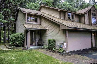 Guilderland Single Family Home For Sale: 4002 Georgetown Sq