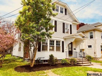 Schenectady Single Family Home For Sale: 1117 Earl Av