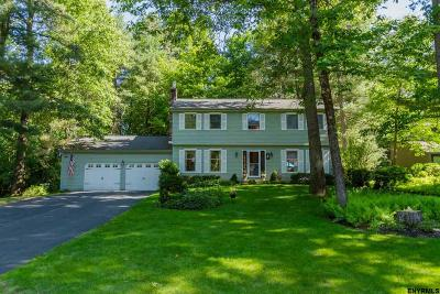 Wilton Single Family Home For Sale: 19 Deer Run
