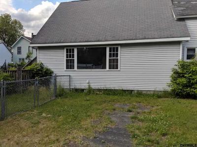 Saratoga County Single Family Home For Sale: 5 Kellogg Rd