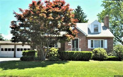 Colonie Single Family Home For Sale: 13 Brigadier St