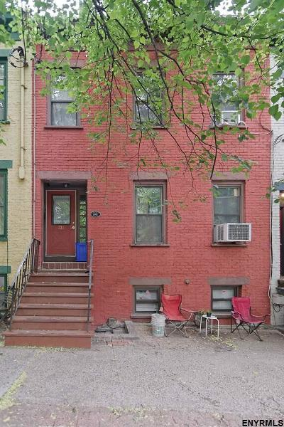 Albany Single Family Home For Sale: 321 Hudson Av