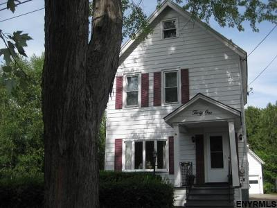Gloversville Single Family Home For Sale: 31 Pearl St