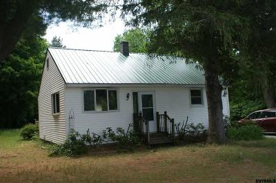 Mayfield Single Family Home For Sale: 256 Lathrop Rd