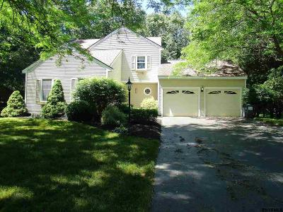 Niskayuna Single Family Home For Sale: 839 Beech Dr