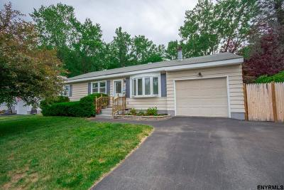 Colonie Single Family Home New: 71 Bridle Path