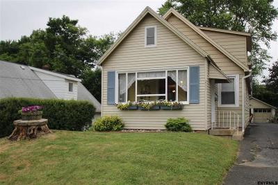 East Greenbush Single Family Home For Sale: 211 Hudson Av