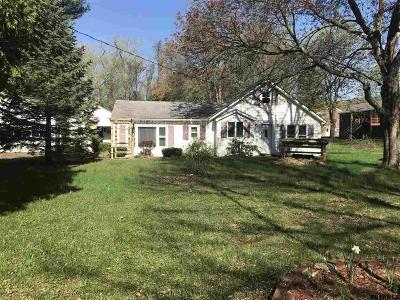 Bethlehem Single Family Home For Sale: 267 Schoolhouse Rd