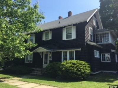 Gloversville Single Family Home For Sale: 20 Oxford Ter
