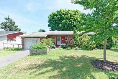 Albany Single Family Home For Sale: 55 Hawthorne Av