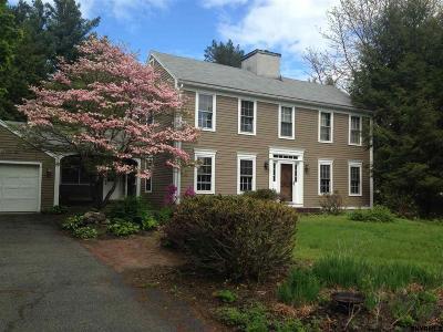 Colonie Single Family Home For Sale: 5 Beaver Pond Rd