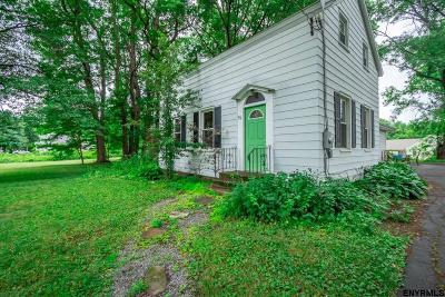 Voorheesville Single Family Home For Sale: 39 Altamont Rd