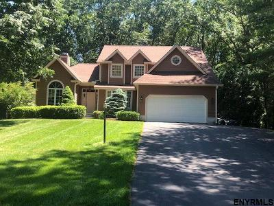 Wilton Single Family Home For Sale: 43 Cobble Hill Dr