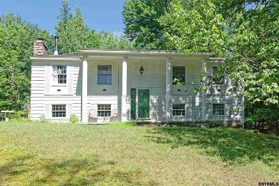 Single Family Home For Sale: 161 Pond Hollow Rd