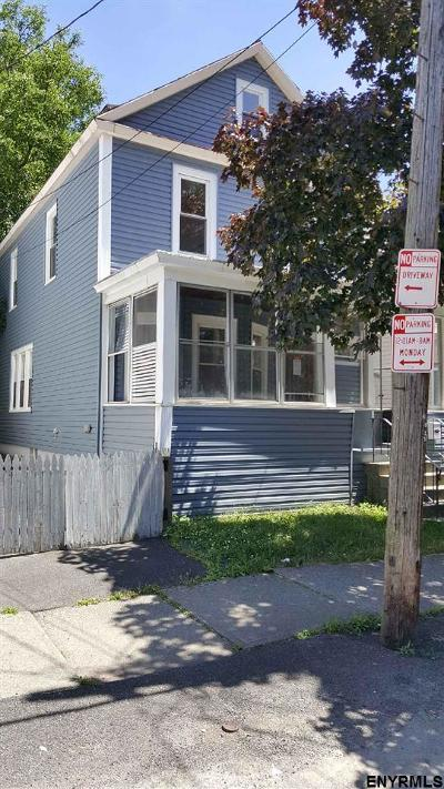 Albany Single Family Home For Sale: 35 Jeannette St