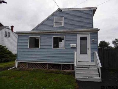 Cohoes Single Family Home For Sale: 124 Harvard Rd