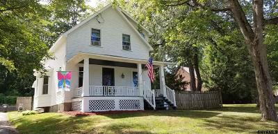 Colonie Single Family Home For Sale: 4 Old Niskayuna Rd