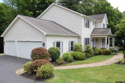 East Greenbush Single Family Home For Sale: 16 Pineview La