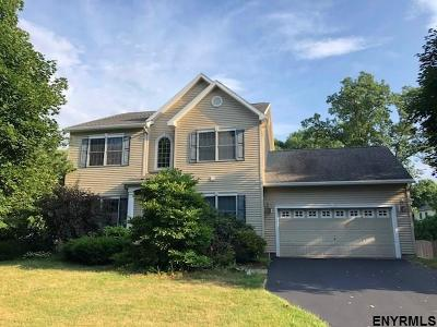 Single Family Home For Sale: 13 Brittany Oaks