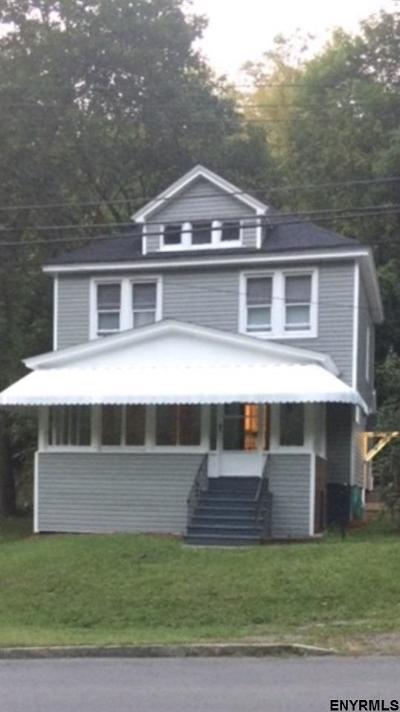 Amsterdam Single Family Home For Sale: 26 Northampton Rd