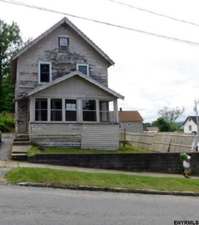 Gloversville NY Single Family Home For Sale: $9,900