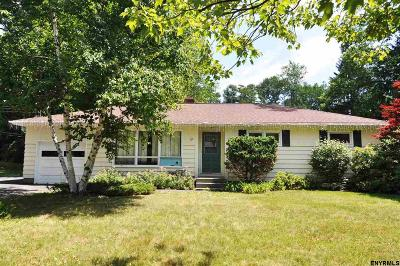 North Greenbush Single Family Home For Sale: 19 Van Leuven Dr South