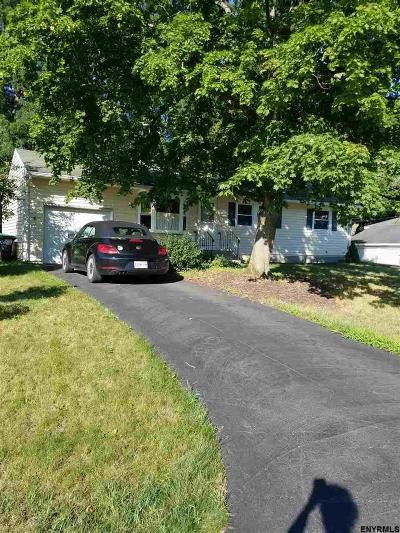 Colonie Single Family Home For Sale: 4 Frantone La