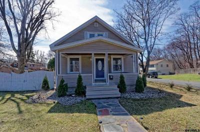 Schenectady Single Family Home For Sale: 3220 Balltown Rd