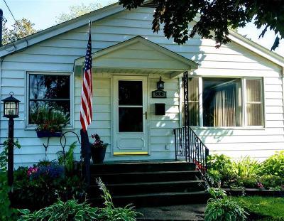 Schenectady Single Family Home For Sale: 808 Marion Av