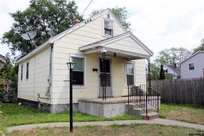 Rotterdam Single Family Home For Sale: 1 Kenmore Av