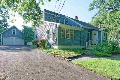 Niskayuna Single Family Home For Sale: 318 Gasner Av