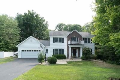 Saratoga County Single Family Home New: 10 Stone Clover Dr