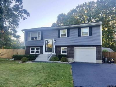 Colonie Single Family Home New: 5 Village Park Dr