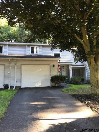 Clifton Park Single Family Home For Sale: 85 Tallow Wood Dr