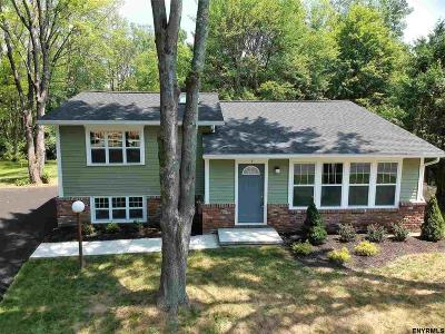 Saratoga County Single Family Home New: 7 St Charles Pl